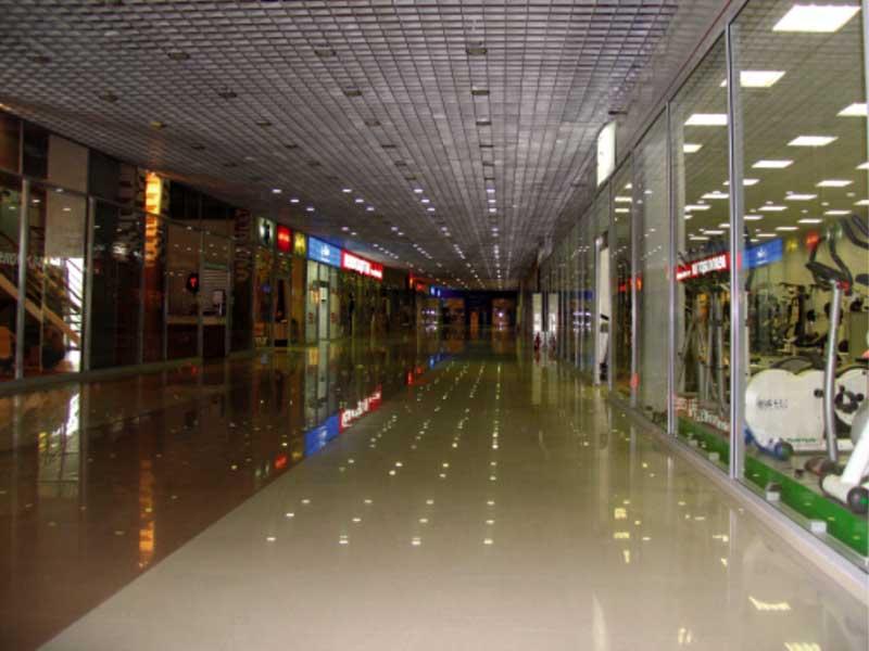 Глянцевые наливные полы для офисов, торговых центров и пр.